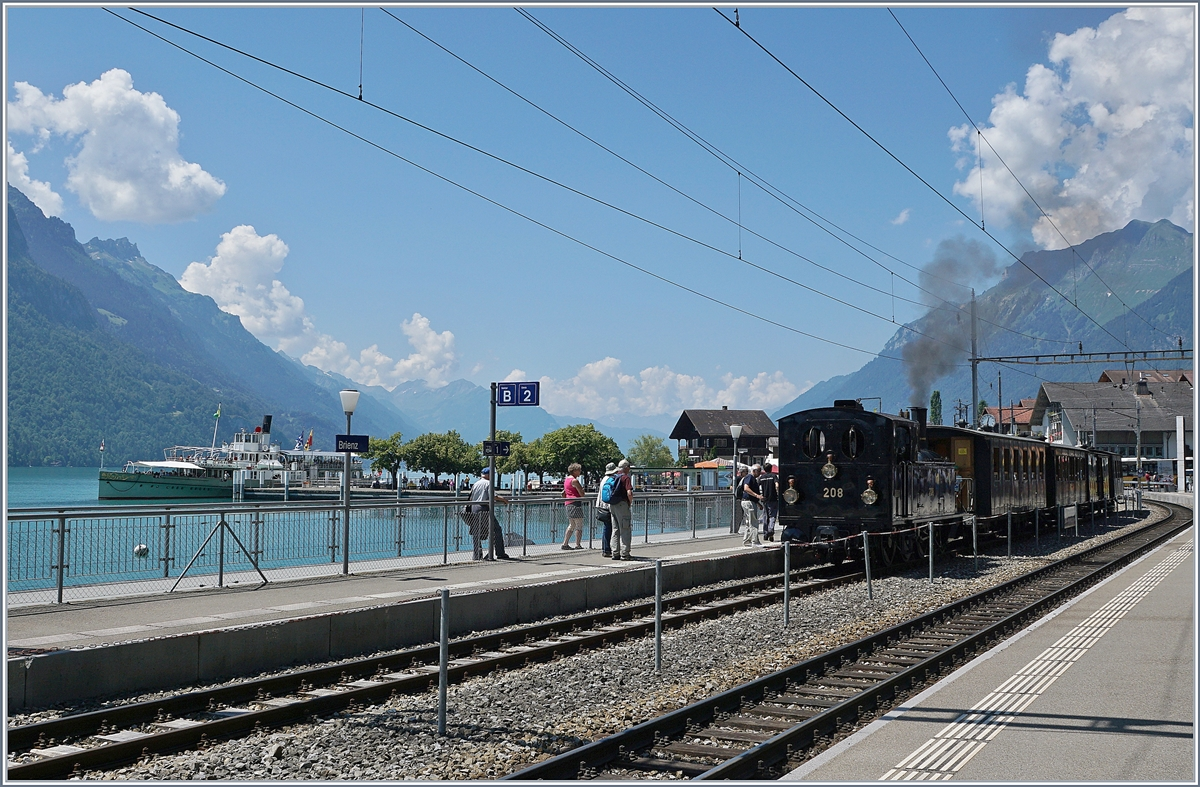 Steamers in Brienz: of the Lake an on the station.  Blüemlisalp  and The Ballenberg Dampfbahn SBB G 3/4 208.