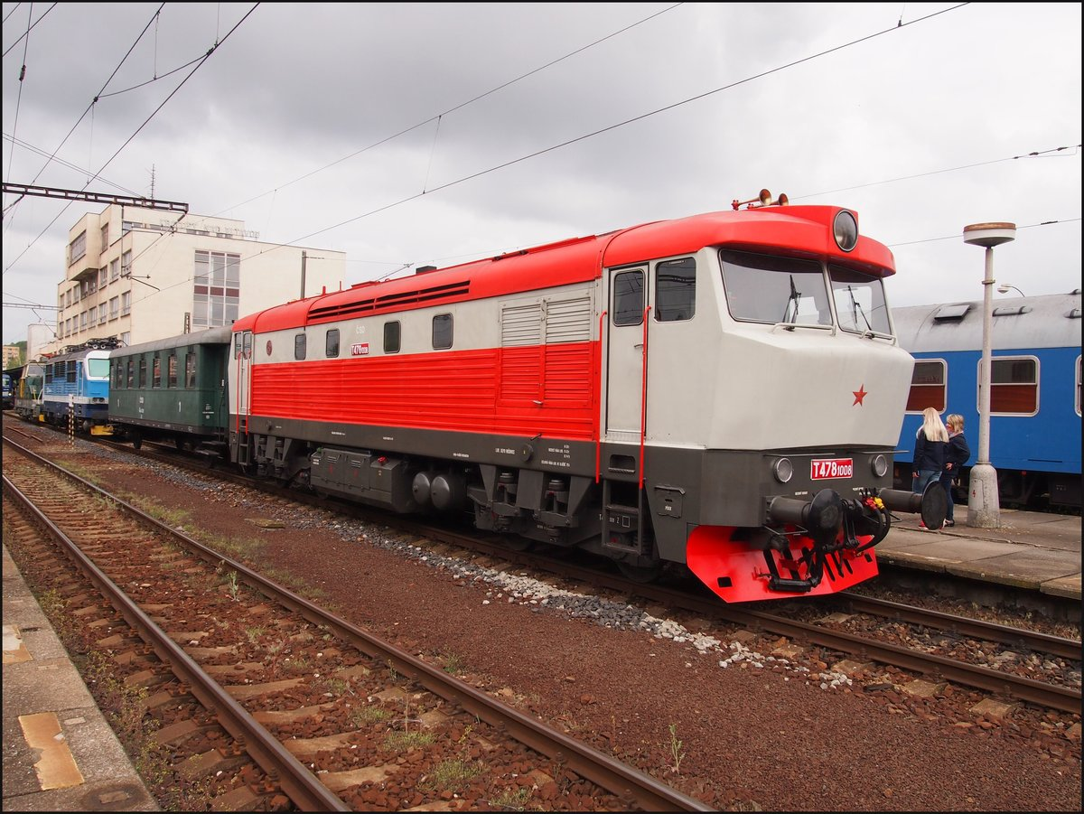 T478 1008  Bardotka  (year of construction 1967) in main station Kralupy nad Vltavou. Day of the railway on 27.04.2019.