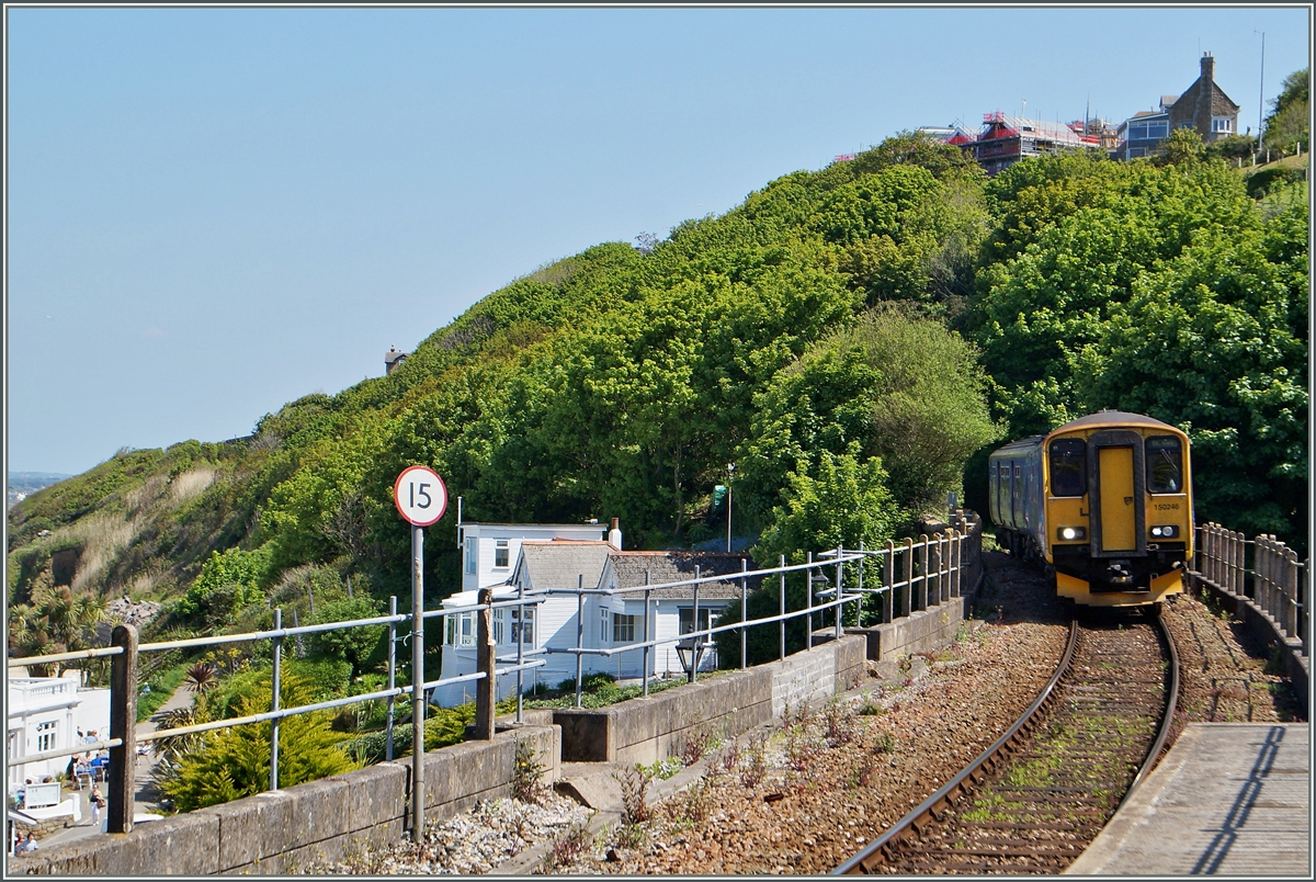 The 150 246 is arrigng at St Ives. 