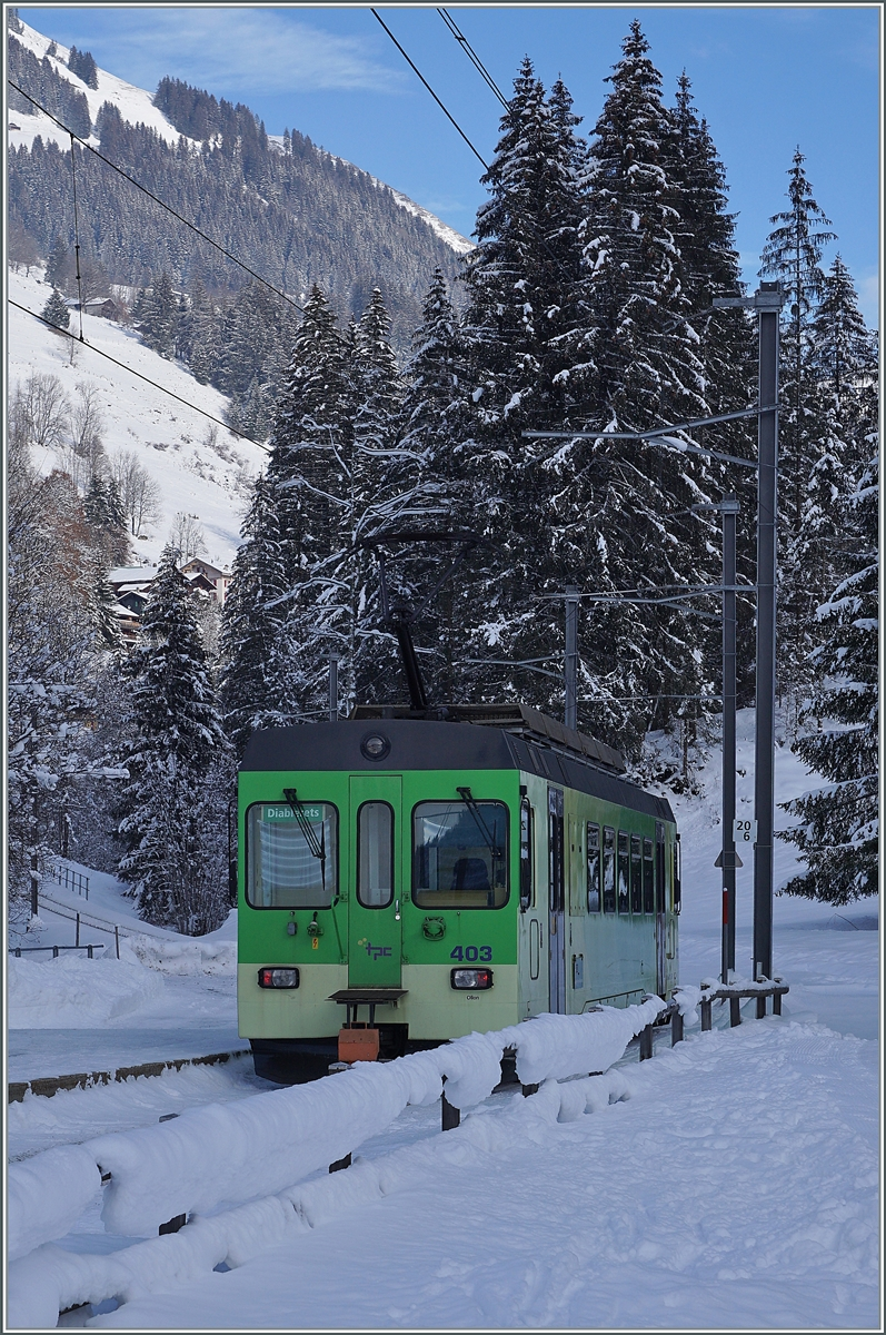 The ASD Bt 434 and the BDe 4/4 403 by Vers l'Eglise on the way to Les Diablerets.