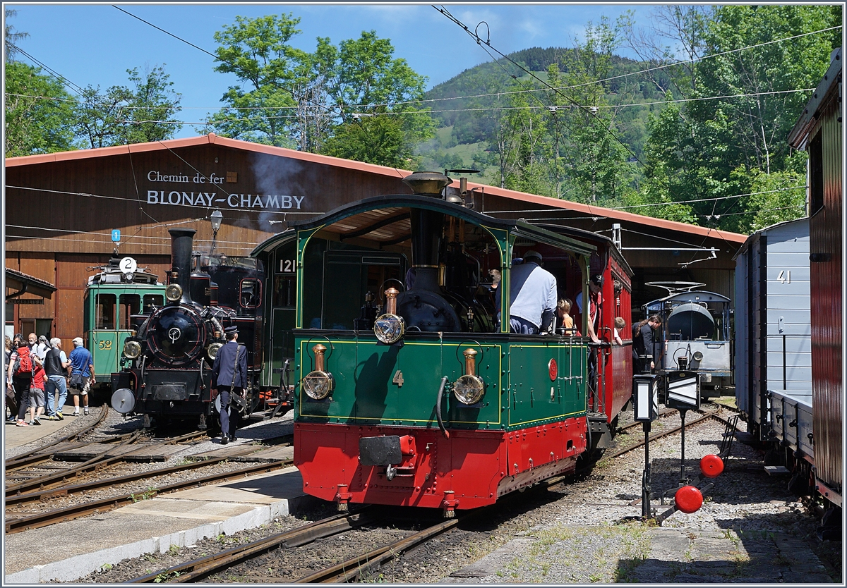 The Blonay Chamby G 2/2 FP 4 in Chaulin. 