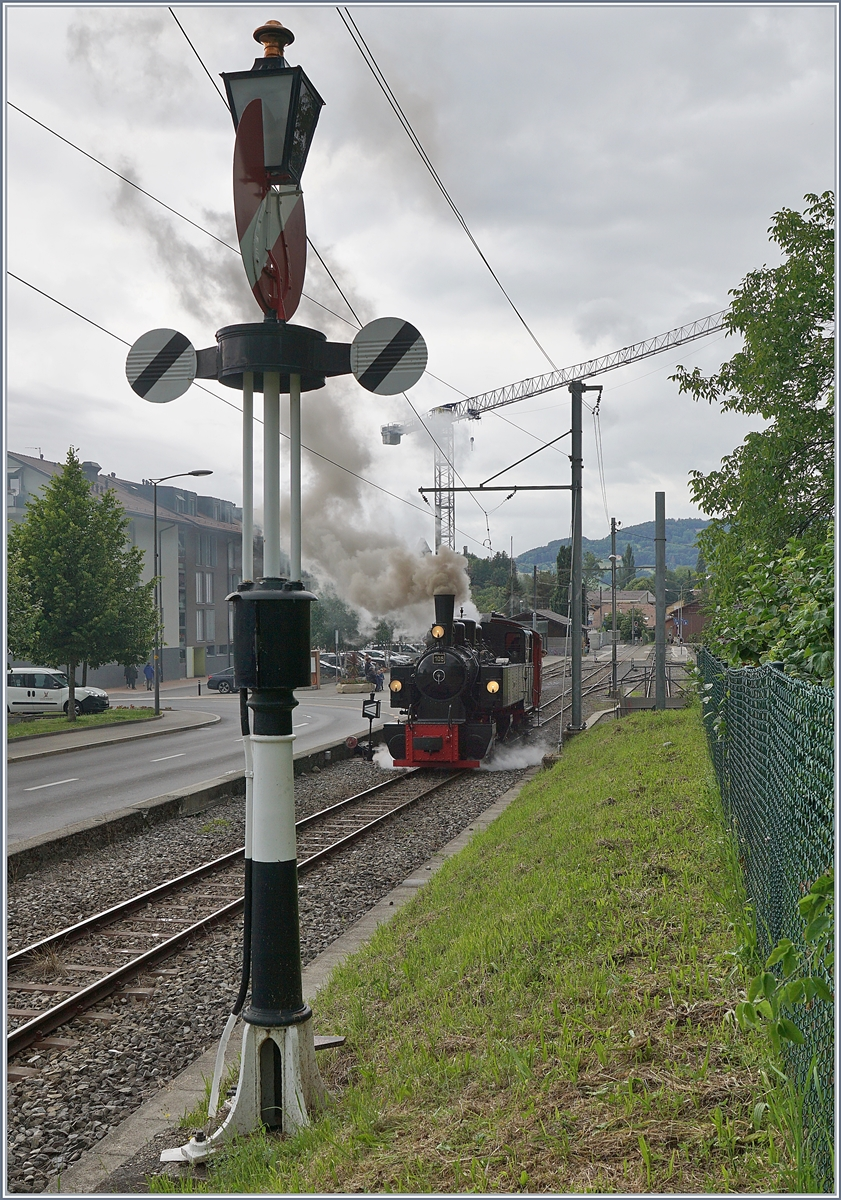 The Blonay-Chamby G 2x 2/2 105 in Blonay on the way to Chaulin.