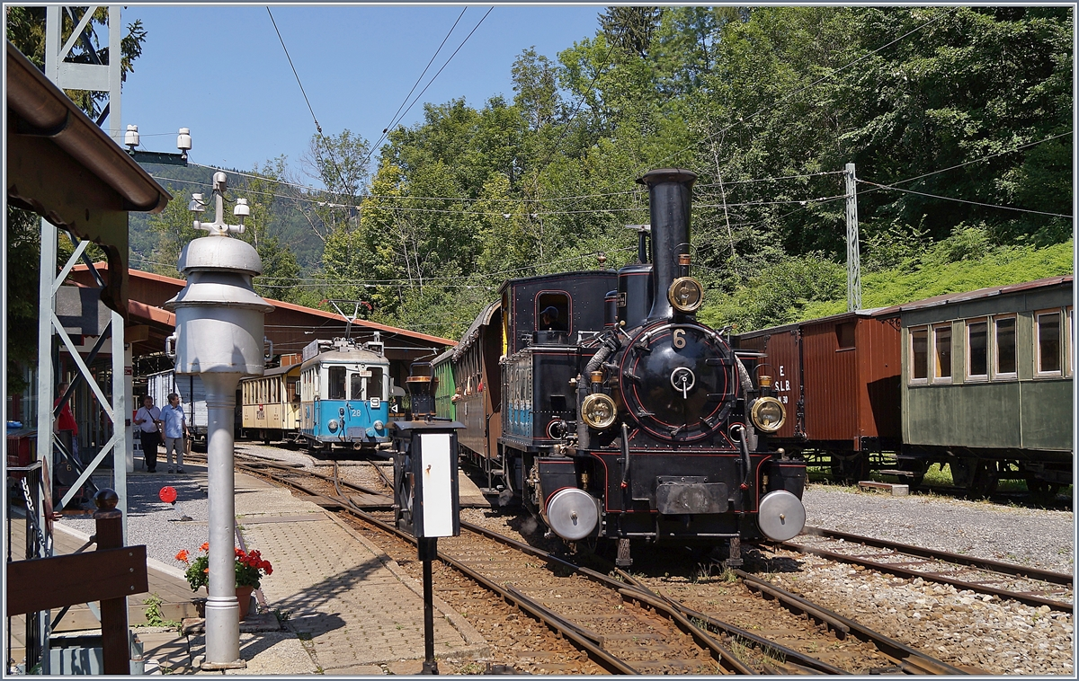 The Blonay-Chamby G 3/3 N° 6 coming from Blonay is arriving in Chaulin.