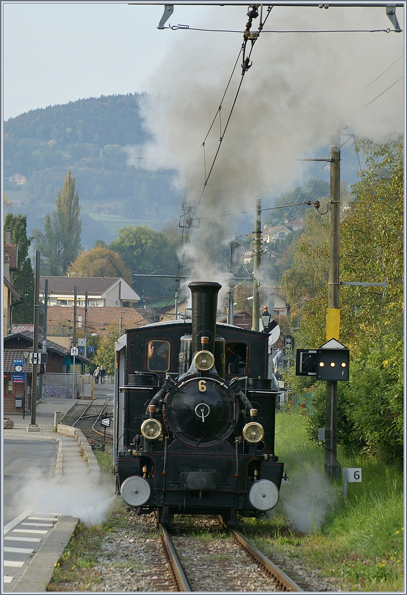 The Blonay-Chamby G 3/3 N° 6 is leaving the Blonay Station.