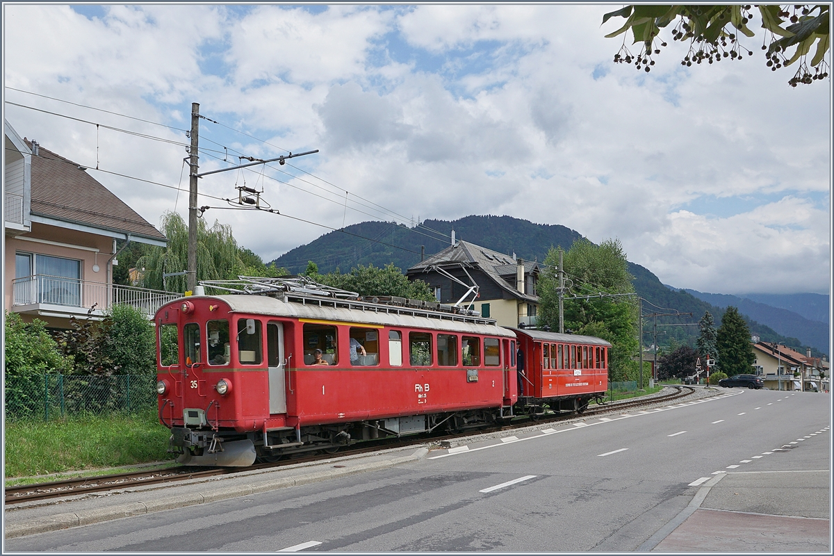 The Blonay-Chamby RhB ABe 4/4 with the CEV C 21 is the Riviera-Belle Epoque from Chaulin to Vevey by Blonay