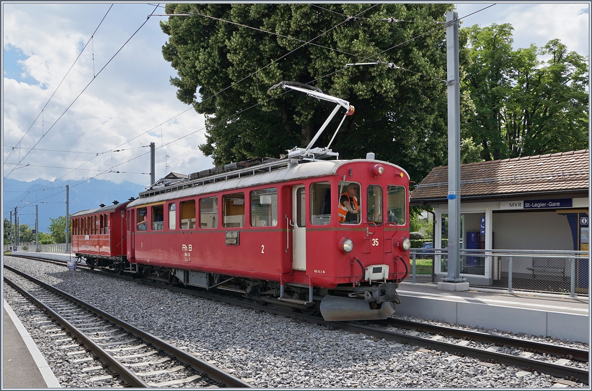The Blonay-Chamby RhB ABe 4/4 35 with the CEV C21 (Riviera Belle Epoque Service) in St Légier Gare. 