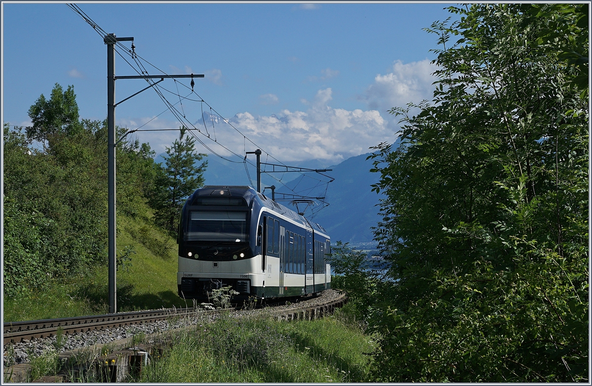 The CEV MVR ABeh 2/6 7506 between Châtelard VD and Planchamp.