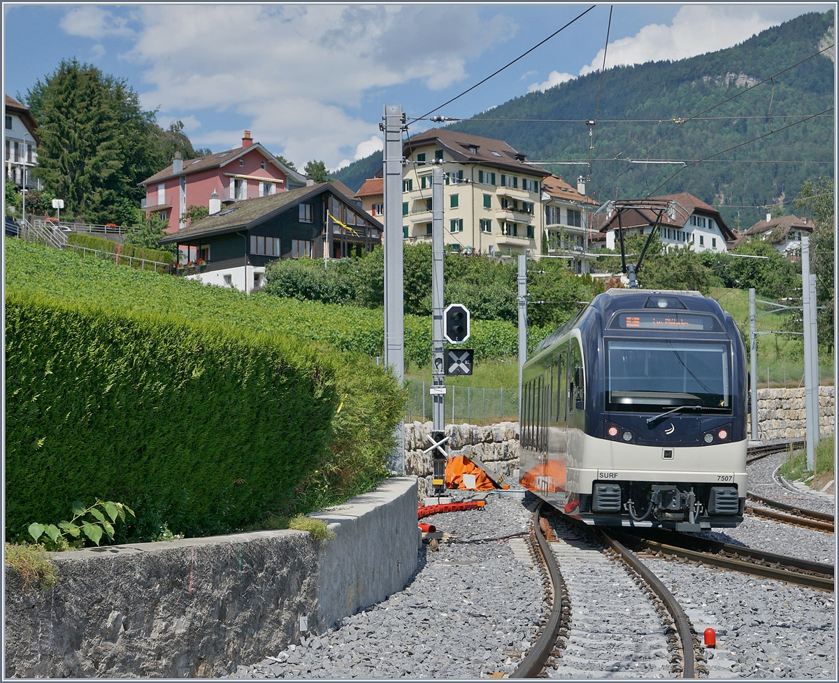 The CEV MVR ABeh 2/6 7507 on the way to Les Pleiades in St Legier Gare. 