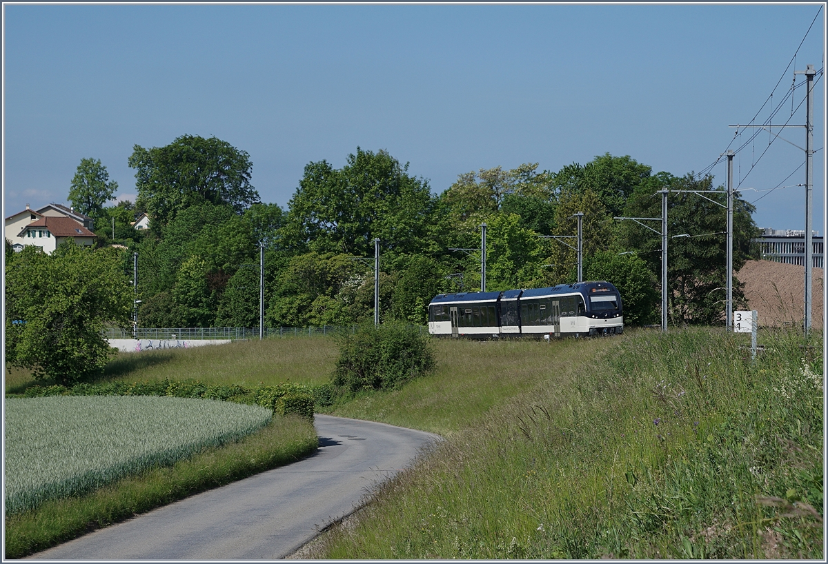 The CEV MVR GTW ABeh 2/6 7505 on the way to Les Pleiades near Chateau d'Hauteville. 20.05.2018