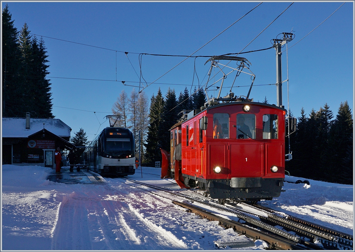 The CEV MVR HGe 2/2 n° 1 in Les Pleiades on the way to Blonay.