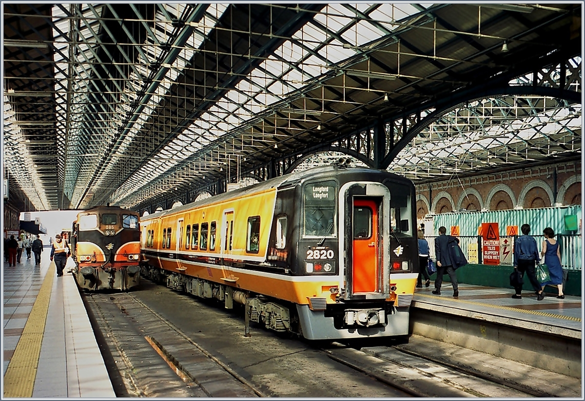 The Class 2800 N° 2820 in Dublin Connoly Station.
