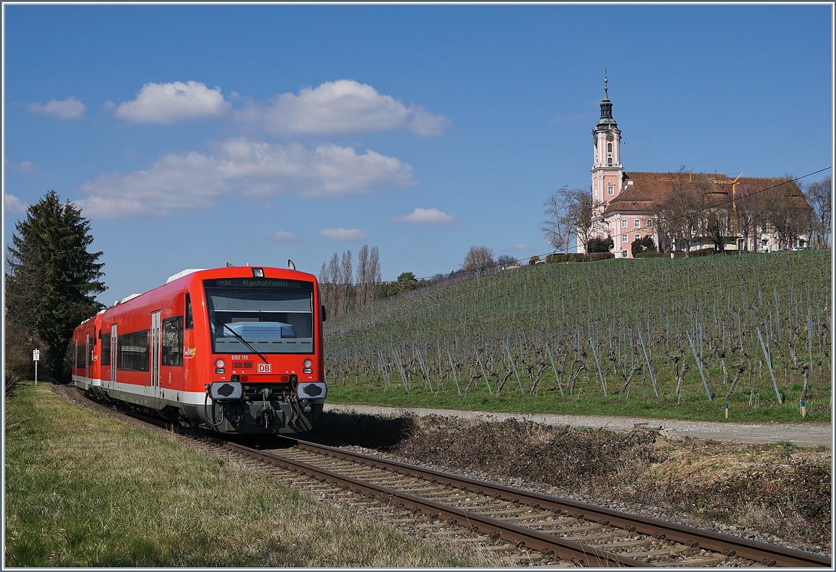 The DB 650 115 and an other one on the way to Radolfszell by Birnau.