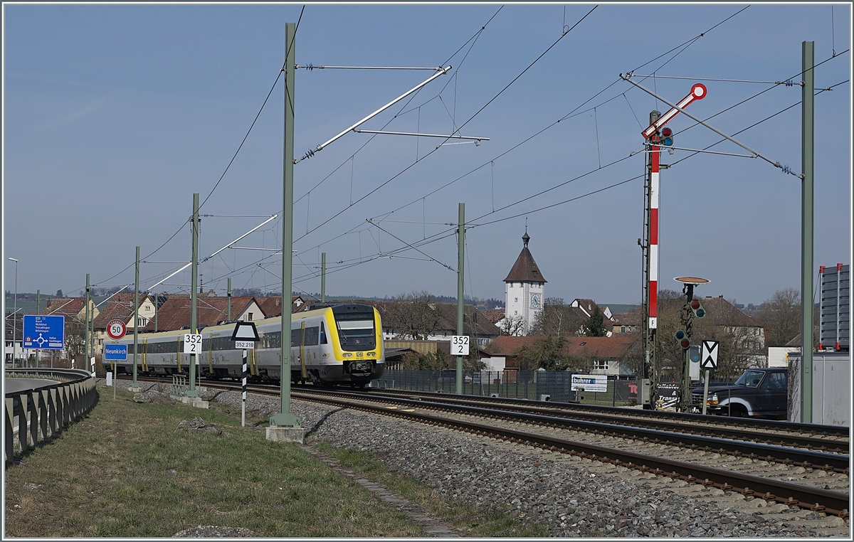 The DB VT 612 067 and 572 on the way to Basel Bad Bf by Neunkirch (CH). 