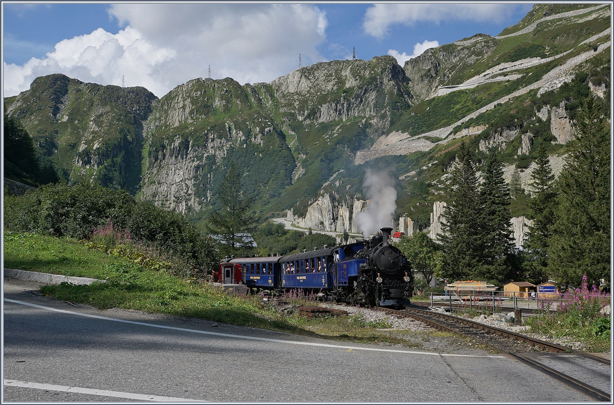 The DFB HG 3/4 1 is leaving Gletsch on the way to Realp. 