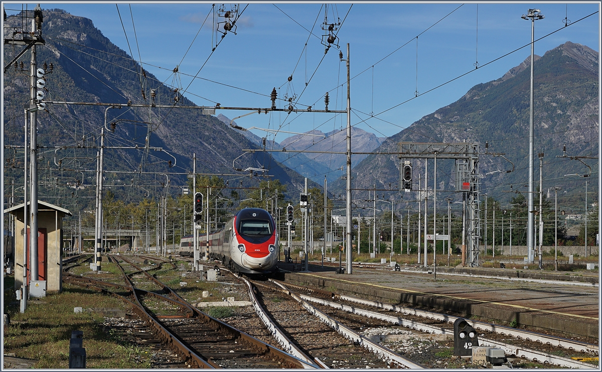 The EC 39 is arriving at Domodossola.