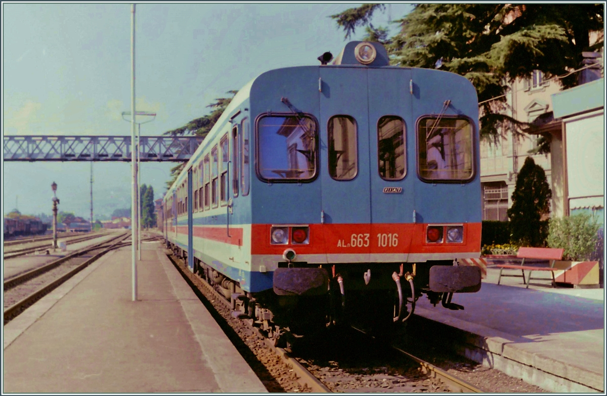 The FS Aln  663 1016 in Aosta.