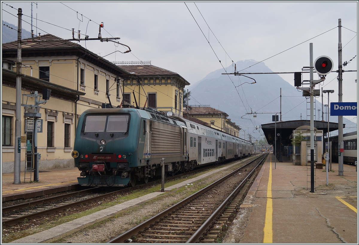The FS Trenitalia E 646.391 in Domodossola. 