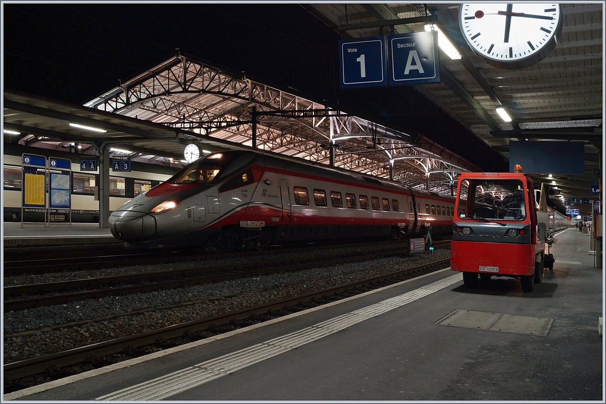 The FS Trenitalia ETR 610 012 it on time.