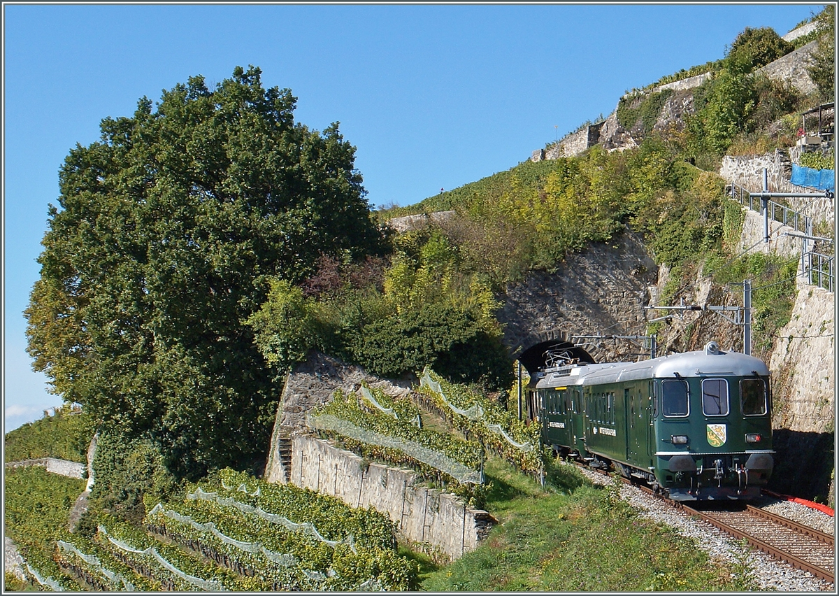 The  Historiche MThB  Train on the Vine-Yard Line by th Salanfe Tunnel near Chexbres.