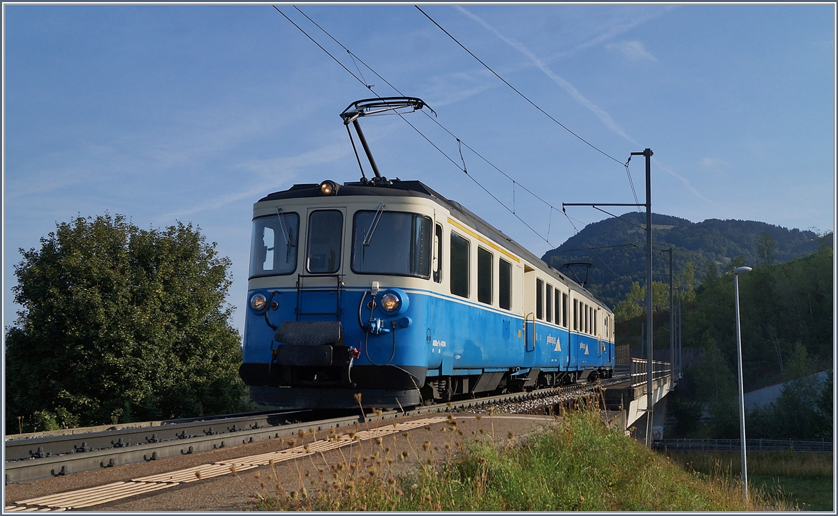 The MOB ABDe 8/8 4004 FRIBOURG from Les Avant to Montreux by Châtelard VD.