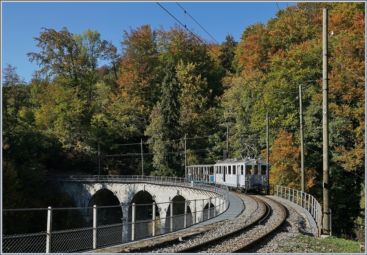 The MOB BCFe 4/4 11 by the Blonay Chamby Railway by  Vers chez Robert.