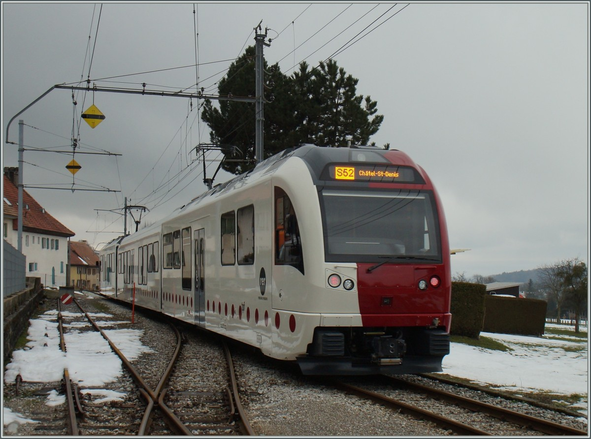 The new TPF ABe 2/4 101 -B- Be 2/4 101 is leaving Semsales on the way to Chatel St Denis. 29.01.2016