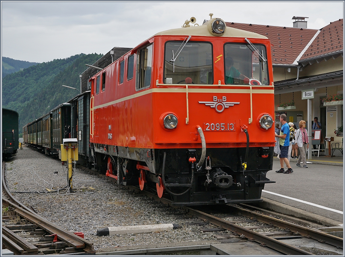 The ÖBB 2095.13 by the BWB in Bezau.