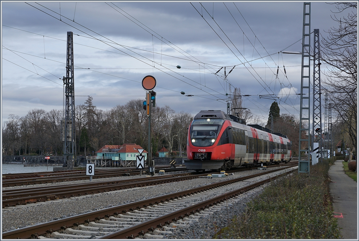The ÖBB ETZ 4024 081-4 is arriving at Lindau Hbf. 