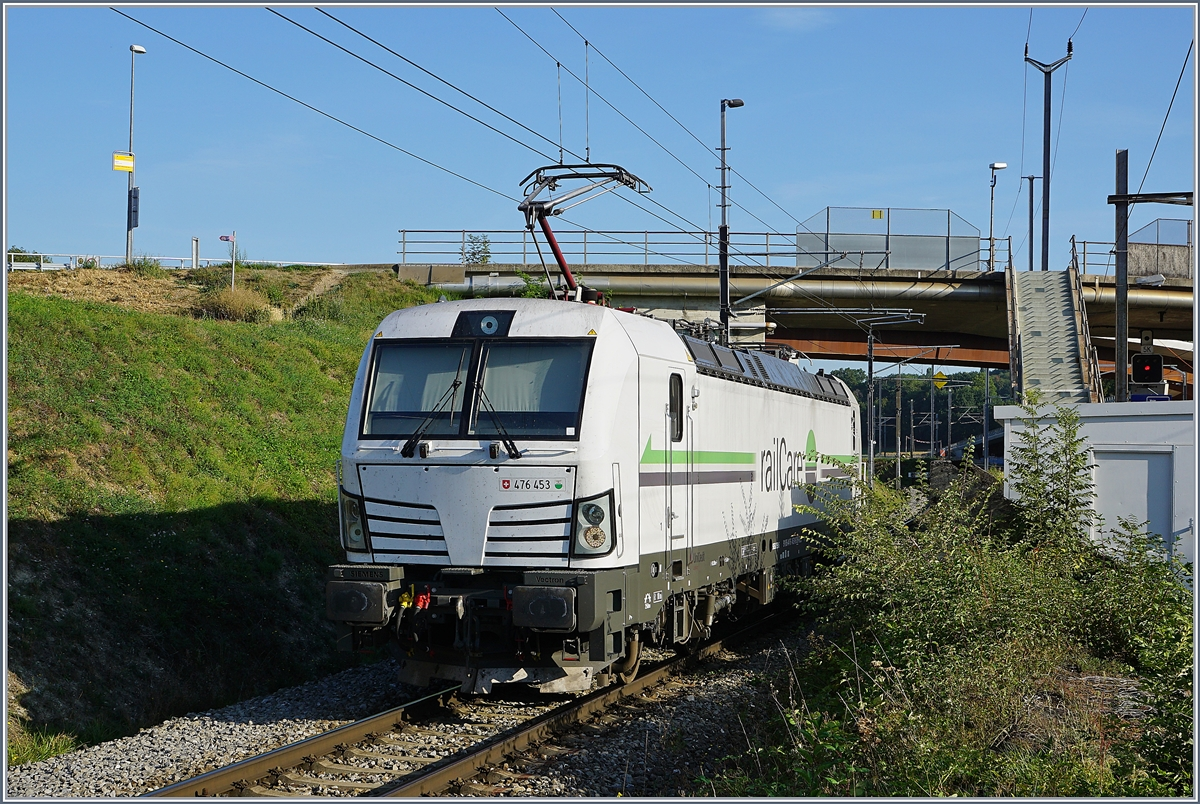 The Rail Care Rem 476 453-6 VAUD (UIC 91 85 4476 43-6 CH-RLC) in Vufflens la Ville 29.08.2018