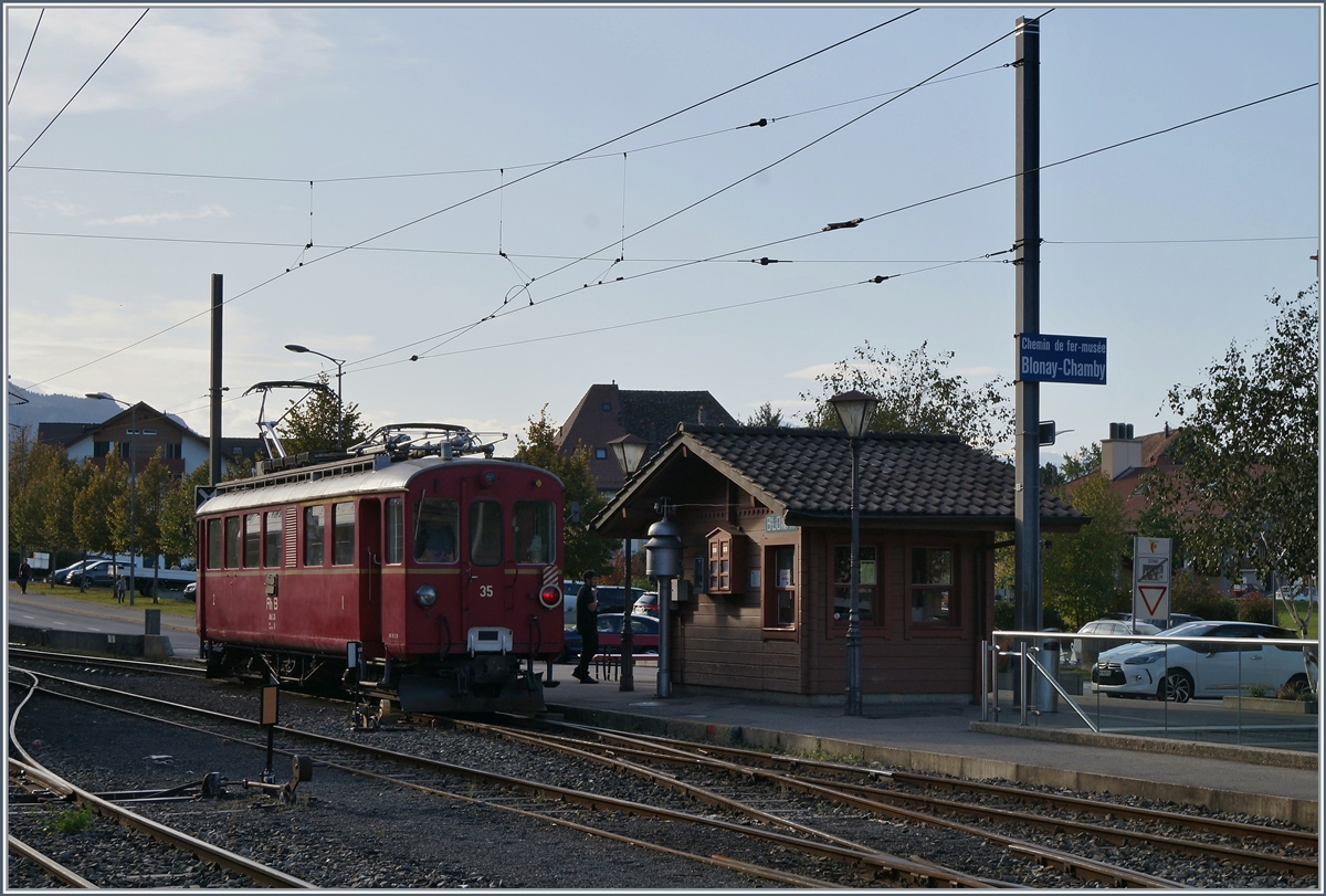 The RhB ABe 4/4 N° 35 in Blonay.