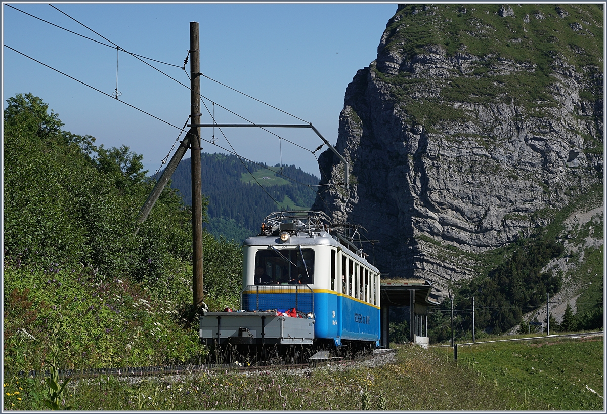 The Rochers de Naye Bhe 2/4 204 near La Perche on the way to the summit Station.