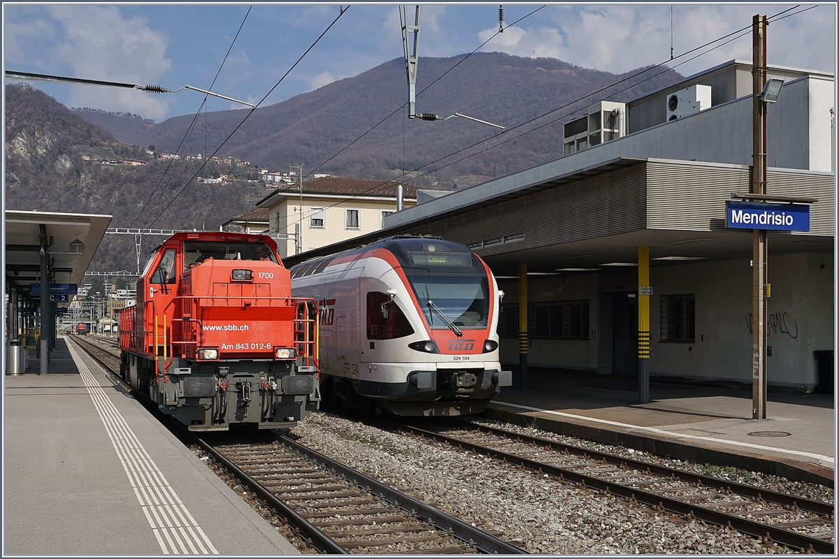 The SBB Am 843 012-6 and the TILO RABe 524 104 in Mendrisio.