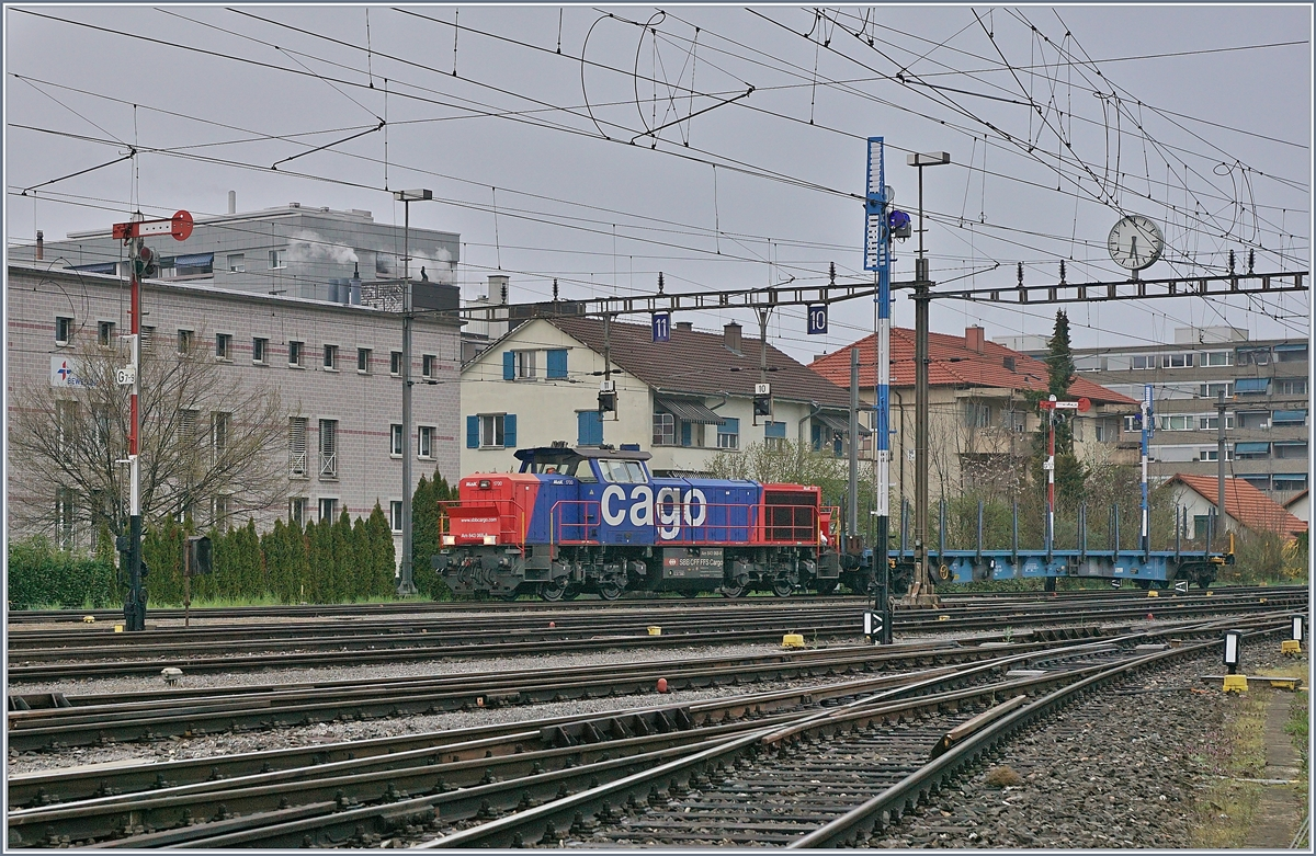 The SBB Am 843 068-8 in the RB Biel.