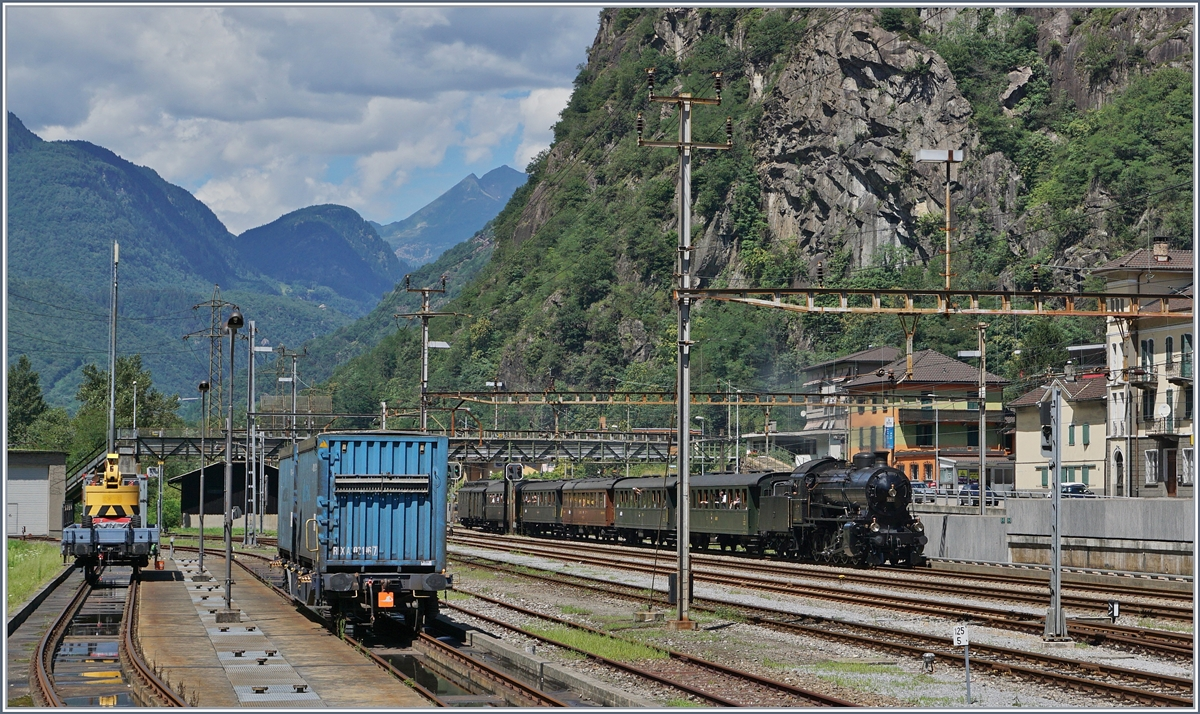 The SBB C 5/6 2978 with his SRF Special Train in Bodio.