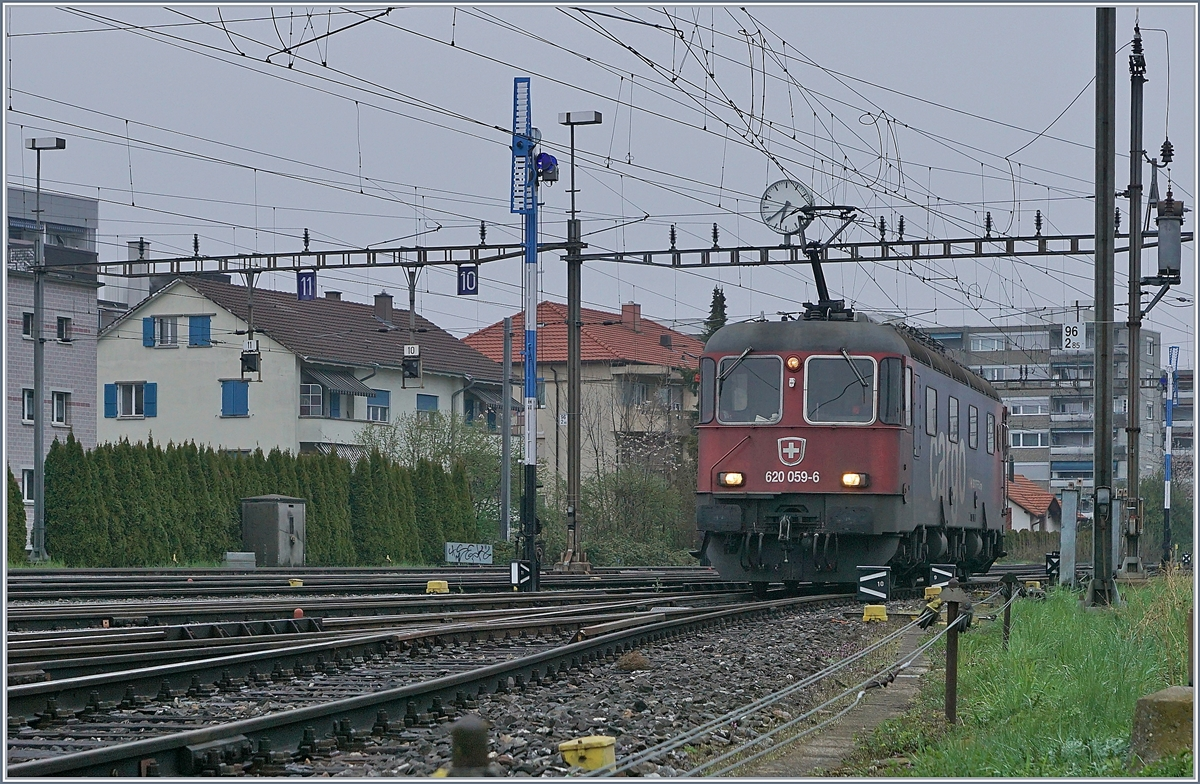 The SBB Cargo Re 6/6 11689 in the Biel Rangierbahnhof Station.