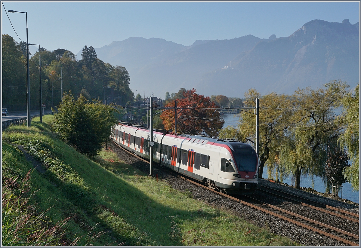 The SBB Flirt RABe 523 057 is approching his destination Villenveuve.