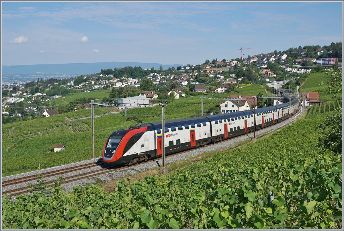 The SBB IC 713 service from Geneva Airport to St Gallen with SBB  Twindexx  RABe 502 212-9 and RABDe 502 010-3 (Ville de Genève) by Bossière. 