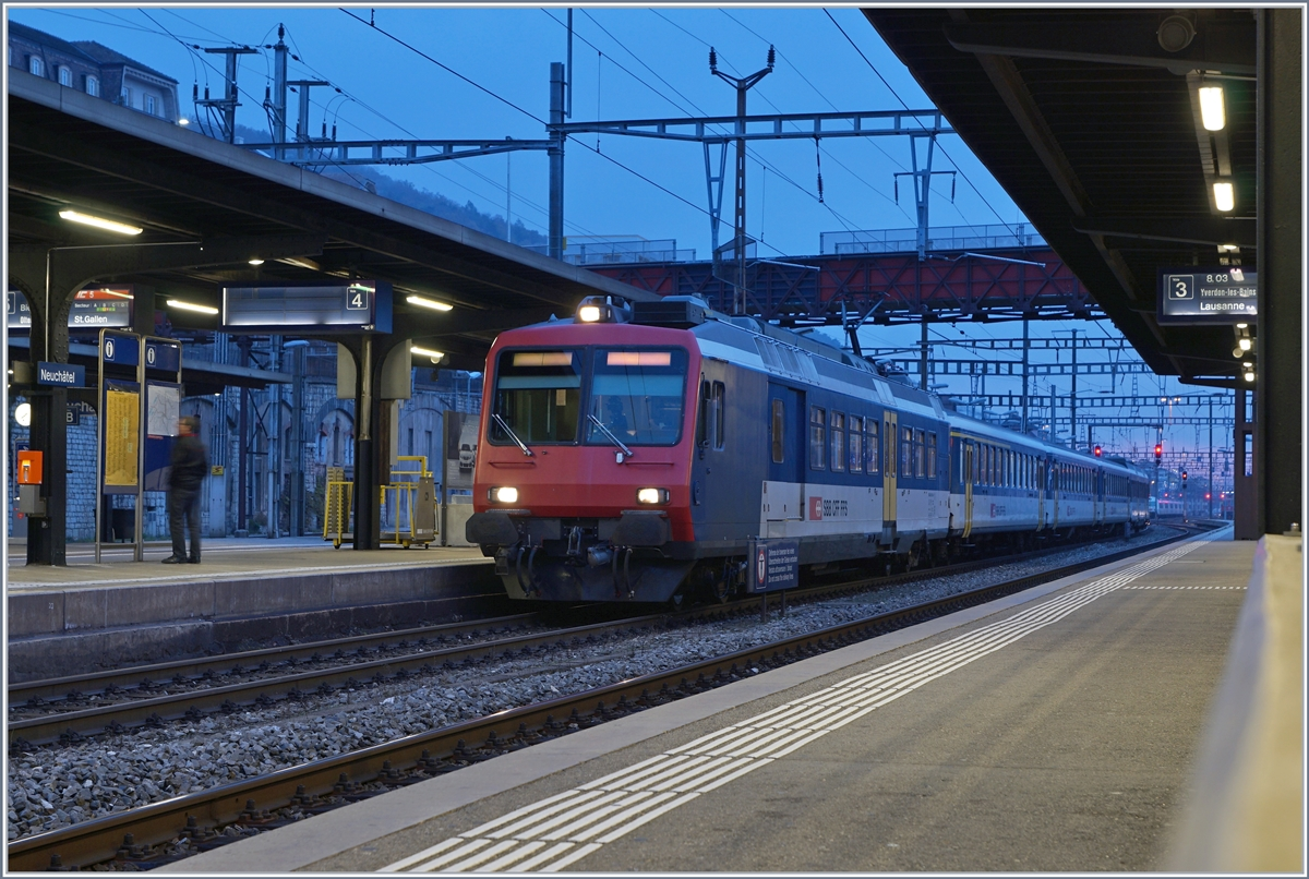 The SBB NPR RE from to Frasne (-> TGV link) in Neuchâtel. 