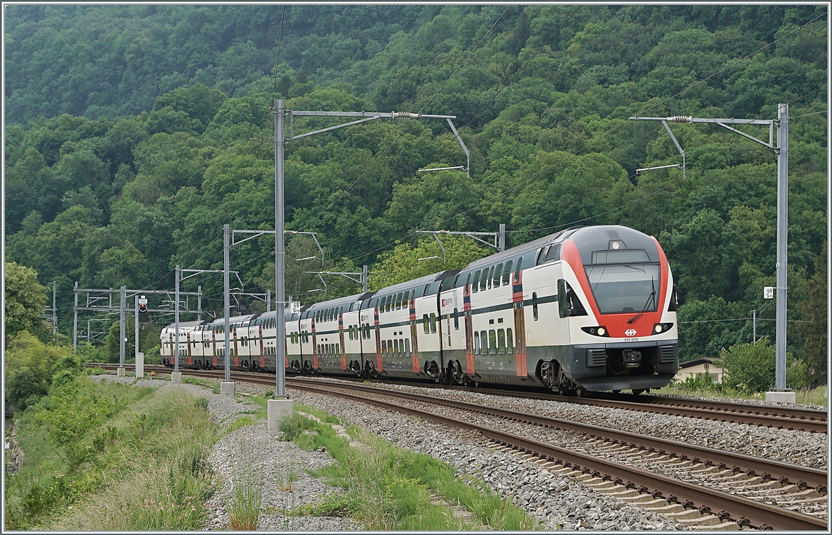 The SBB RABe 511 019 on the way to Annemase near St-Maurice.