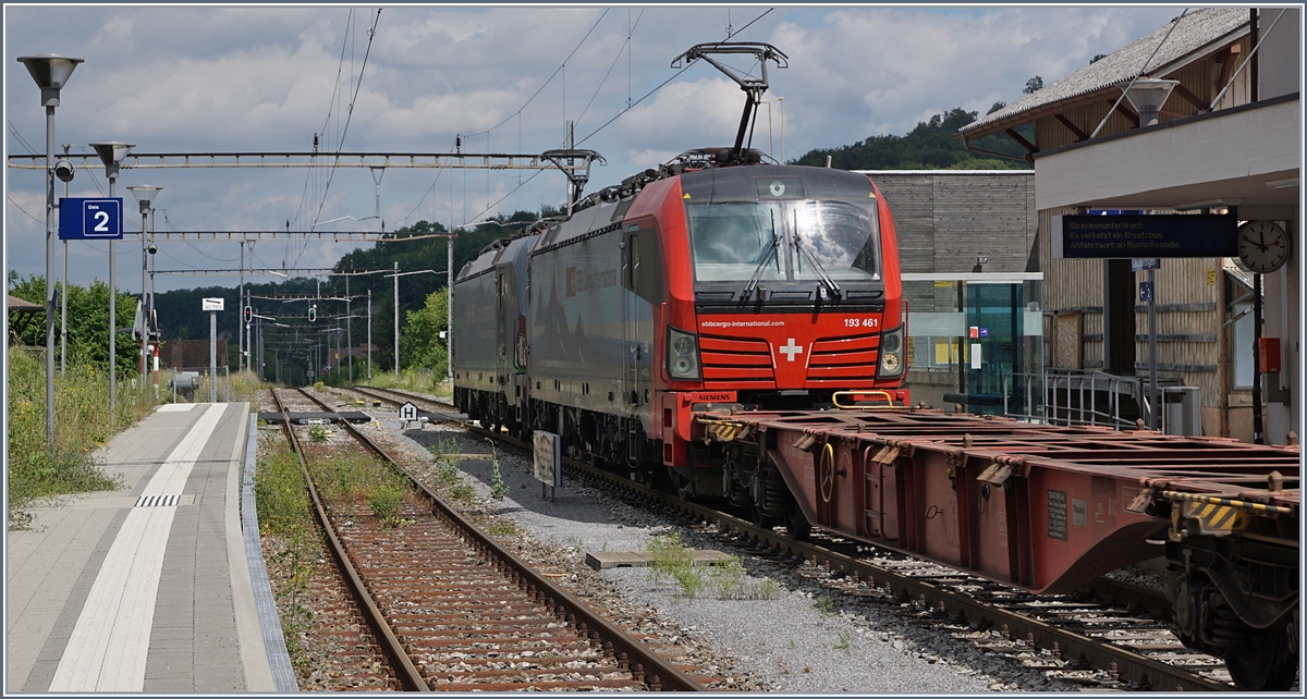 The SBB Re 193 461 and an other one in Läufelfingen. 