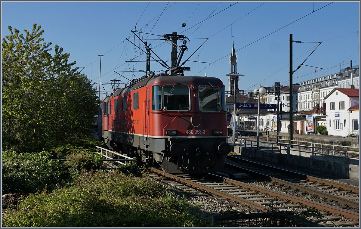 The SBB Re 420 307-1 and 430 353-3 in Konstanz.