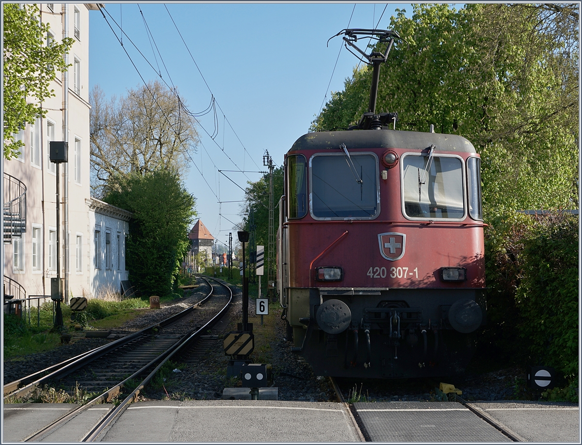 The SBB Re 420 307-1 and 430 353-3 in Konstanz. 24.04.2017