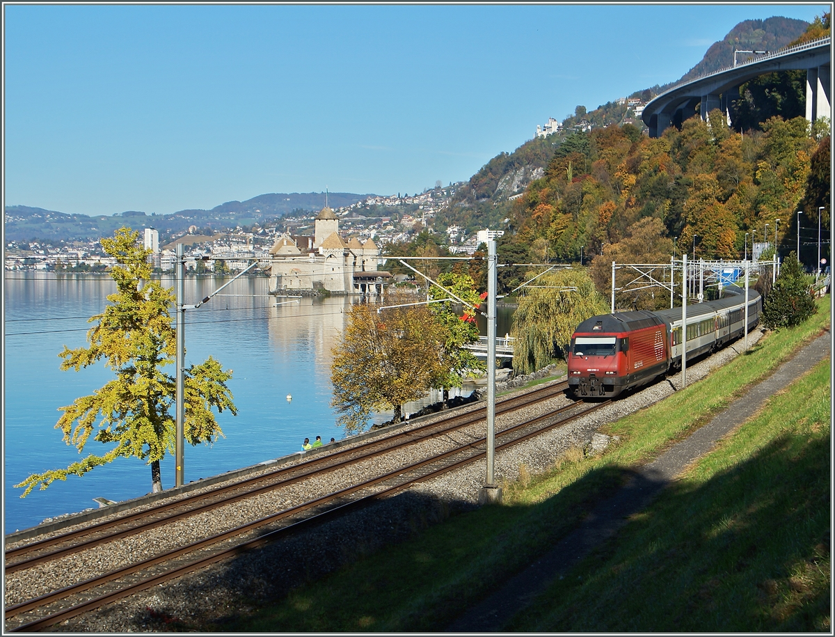 The SBB Re 460 039-1 with an IR to Brig near the Castle of Chillon.