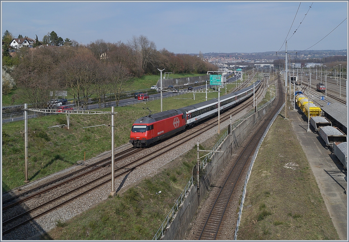 The SBB Re 460  041-5 wiht an IR to Brig by Lonay-Preveranges.