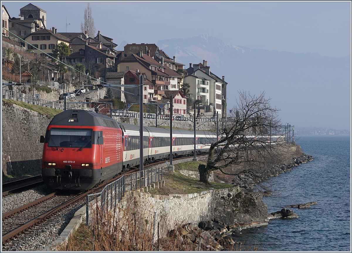 The SBB Re 460 072-2 wiht an IR from Brig to Geneva by St Saphorin.