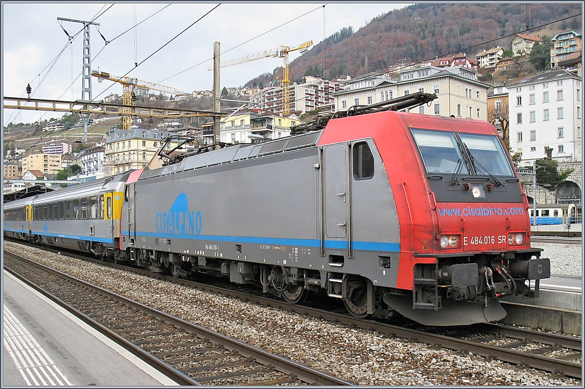 The SBB Re 484 016 in Montreux.