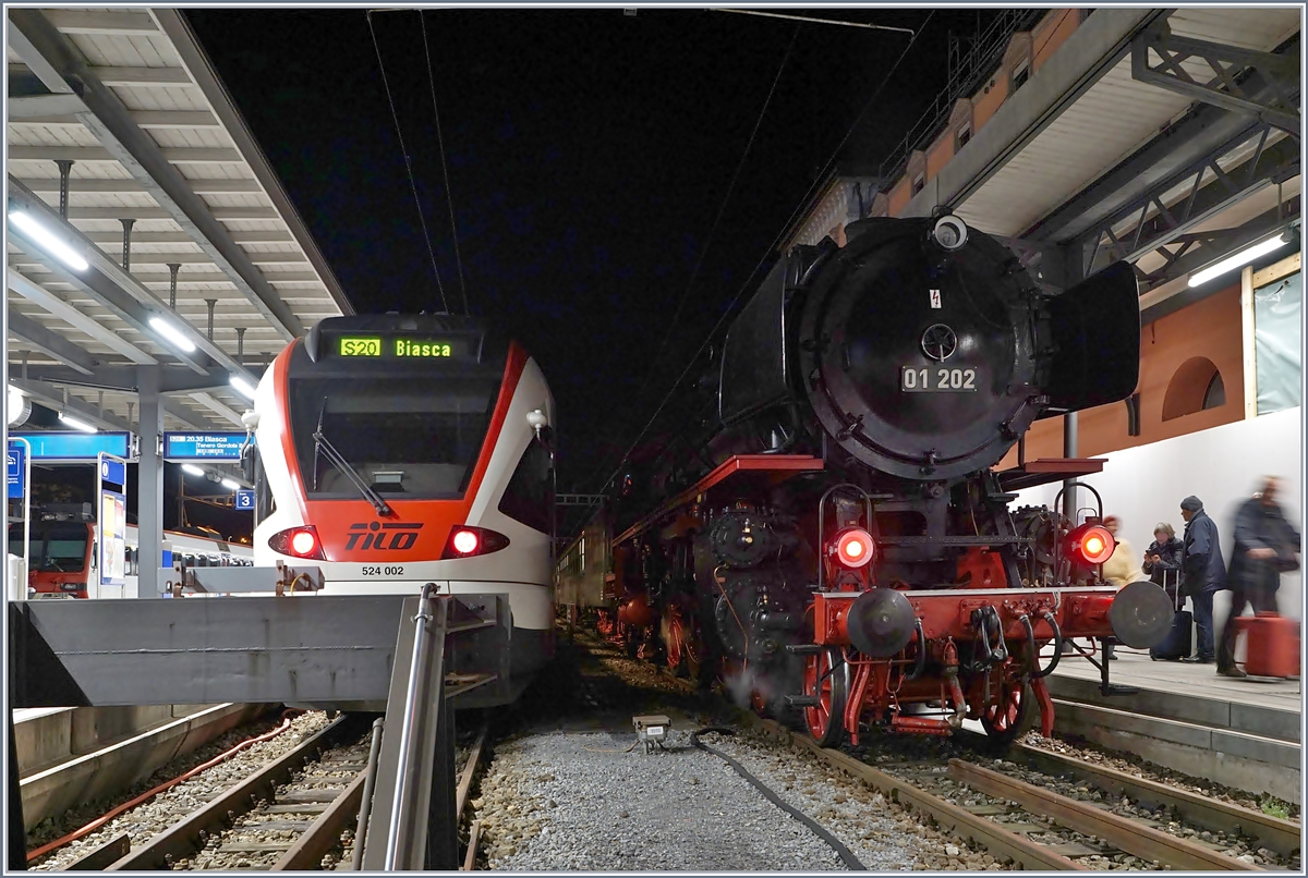 The SBB TILO RABe 524 002 and the 01 202 in Locarno.