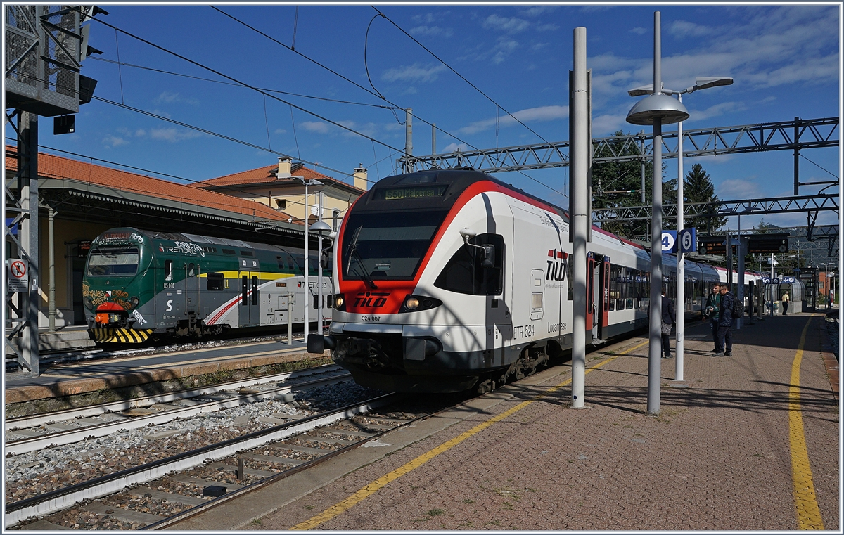 The SBB TIOL RABe 524 007 to Malpensa by his stop in Varesse. 