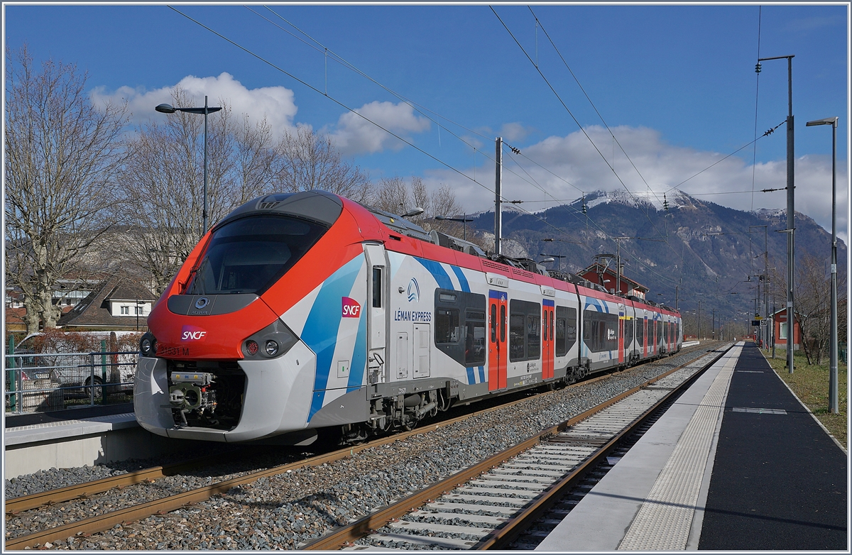 The SBCF Z 31 531 M on the way from Coppet to St Gervais le Fayet is arriving at St Pierre en Faucigny.