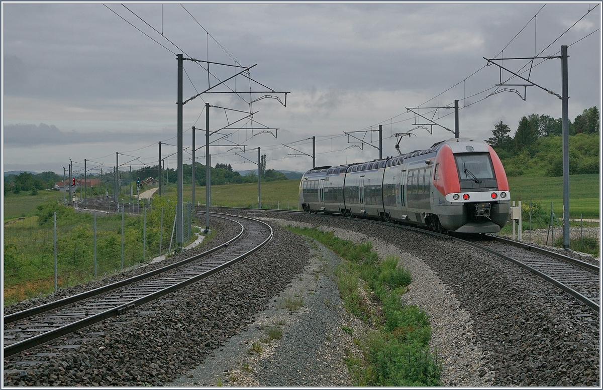 The SNCF TER 895052 is on the way to Belfort by Meroux.